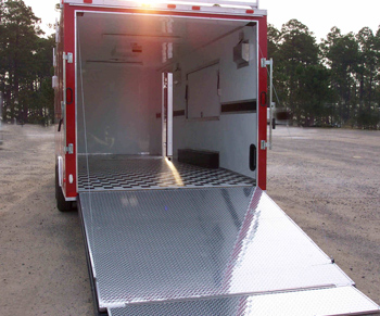 car hauler enclosed car trailer trailer showroom. Black Bedroom Furniture Sets. Home Design Ideas